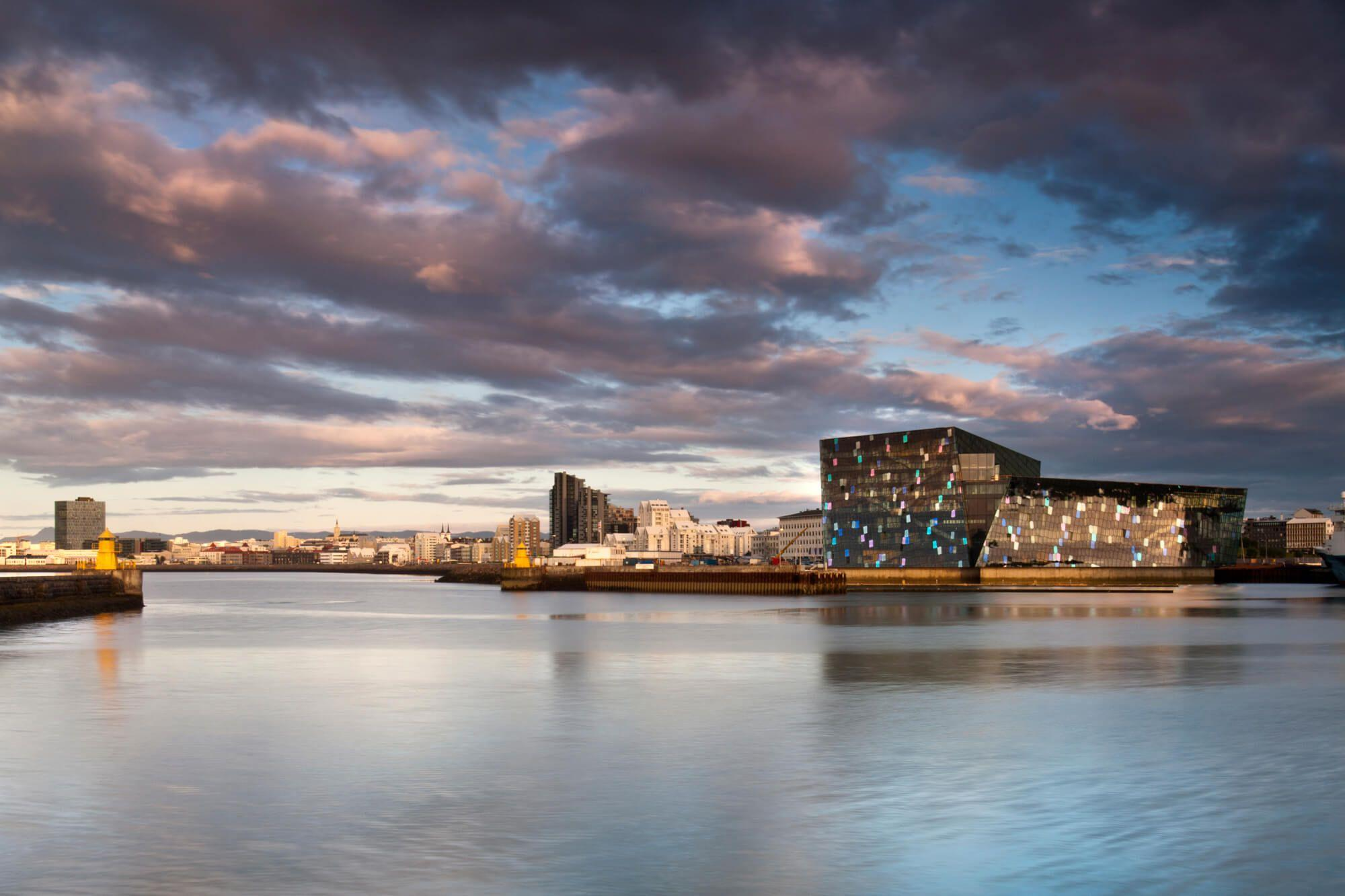 harpa from see