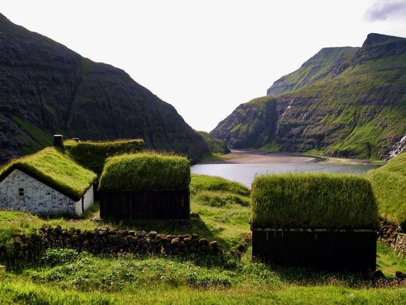 how to get to faroe islands from uk