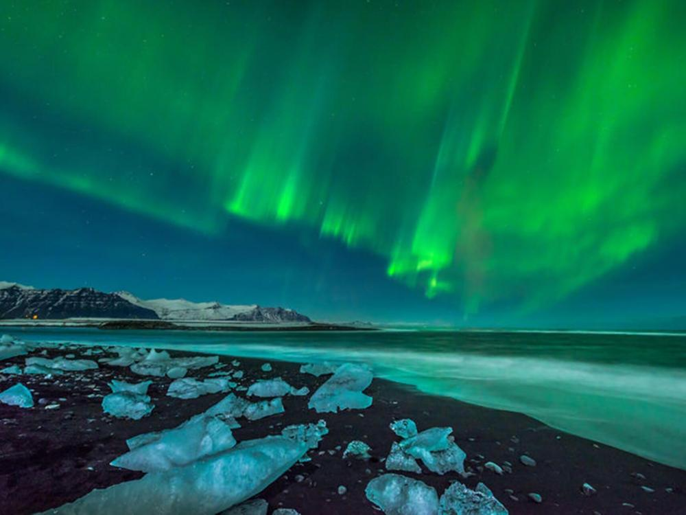 Northern Lights, Volcanoes & the Glacier Lagoon