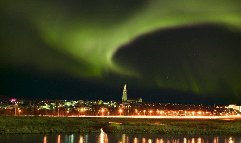 northern lights early booking offer all iceland. Black Bedroom Furniture Sets. Home Design Ideas